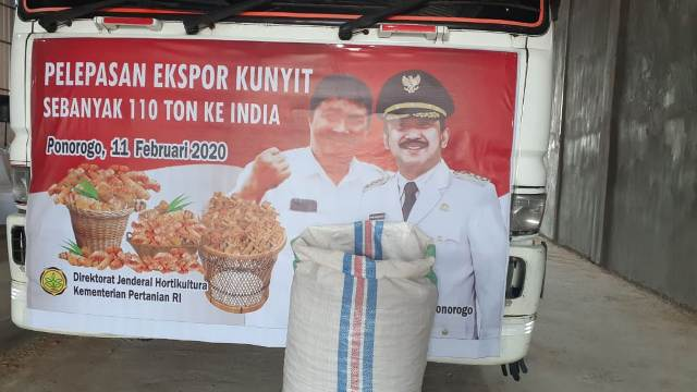 Photo of Lepas Eksport Kunyit, Bupati Ipong  Target Penuhi  Gratiek