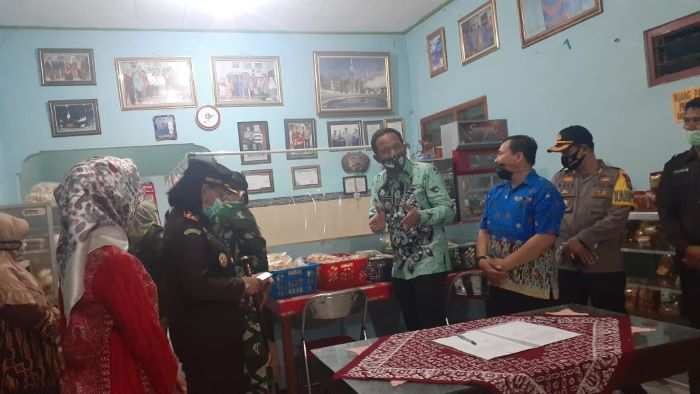 Photo of BUPATI IPONG  LOUNCHING PERLUASAN SEKTOR UJI COBA NEW NORMAL
