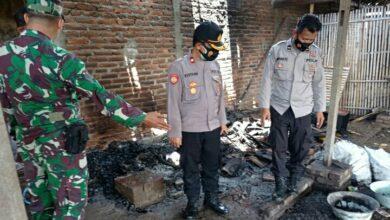 Photo of Ditinggal Ke Pasar Rumah Warga Plosojenar Kauman Terbakar