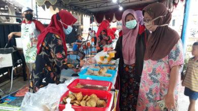 Photo of Omzet Gorengan Novi Moncer Gegara Pasar Ramadhan