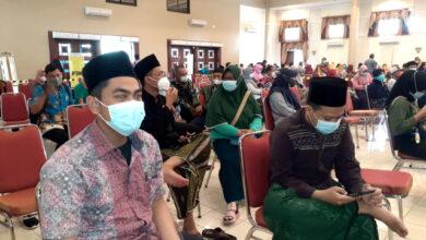 Photo of Santri Mayak Ajak Anak Muda Ikuti Vaksinasi , Gak Ada Effek Lo !