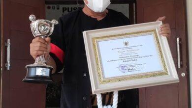 Photo of Raih Penghargaan Anugerah Parahita Ekapraya , Sugiri Sancoko  Perlu Kerja Konrit Di Masyarakat